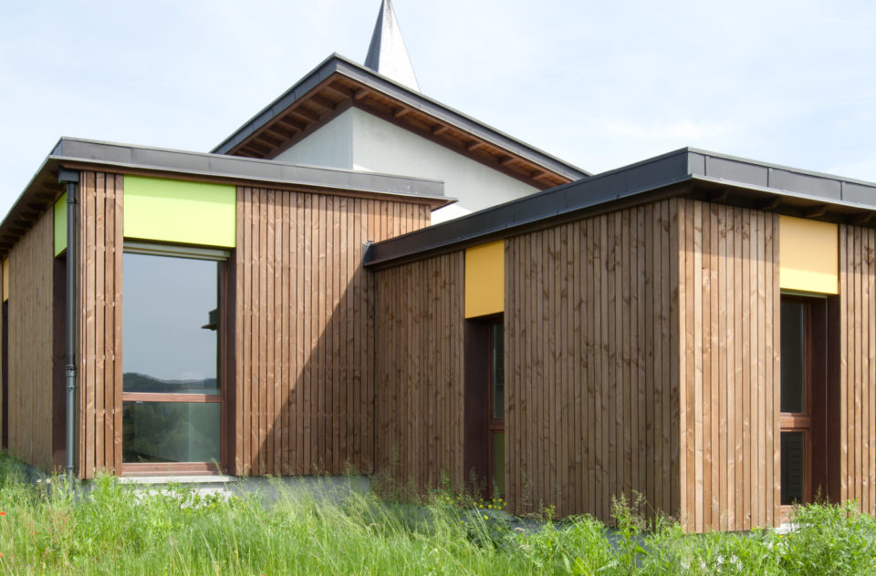 """Groupe Scolaire Saint Girod<br><span style=""""font-size:12px"""">Michel Desvallées, Isabelle Dupuis-Baldy, Anne Raimond Architectes</span>"""