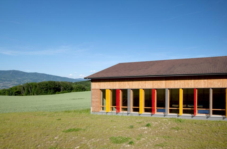 """Groupe Scolaire Monnetier Mornex<br><span style=""""font-size:12px"""">Michel Desvallées, Isabelle Dupuis-Baldy, Anne Raimond Architectes</span>"""