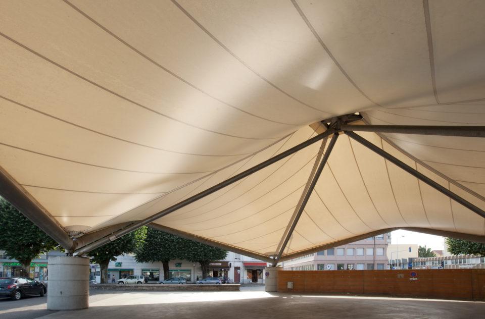 """Marché Couvert Bourg en Bresse<br><span style=""""font-size:12px"""">Ludmer Bouvier Architectes</span>"""